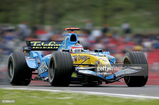 Fernando Alonso of Spain and Renault in action during the qualifying session for the San Marino F1 Grand Prix at the San Marino Circuit on April 23...
