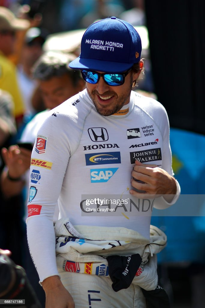 Fernando Alonso of Spain, driver of the #29 Chandon Honda prepares to drive during Carb day for the 101st Indianapolis 500 at Indianapolis Motorspeedway on May 26, 2017 in Indianapolis, Indiana.