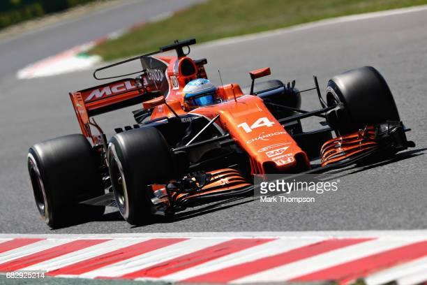 Fernando Alonso of Spain driving the McLaren Honda Formula 1 Team McLaren MCL32 on track during the Spanish Formula One Grand Prix at Circuit de...