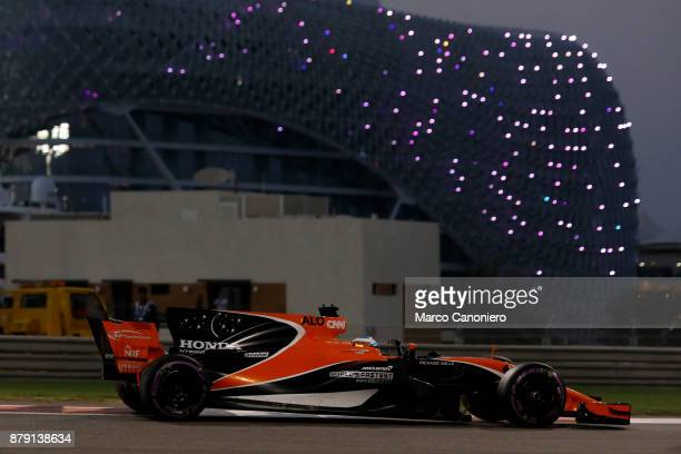 Fernando Alonso of Spain driving the McLaren Honda Formula 1 Team McLaren MCL32 during qualifying for the Abu Dhabi Formula One Grand Prix
