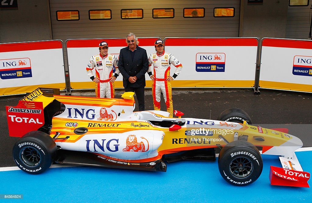 Renault R29 F1 Launch : News Photo