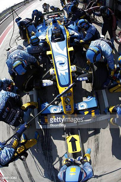 Fernando Alonso of Team Renault makes a pitstop at the Formula 1 GP of Turkey on Sunday August 27 2006 in Istanbul Turkey