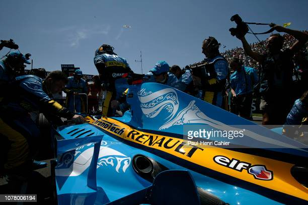 Fernando Alonso Renault R26 Grand Prix of Canada Circuit Gilles Villeneuve 25 June 2006 Fernando Alonso on the starting grid of the 2006 Grand Prix...