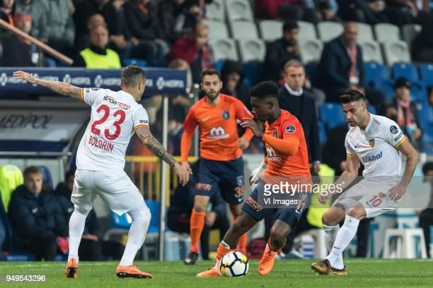 Fernando Boldrin of Kayserispor Alparslan Erdem of Istanbul Medipol Basaksehir FK Eljero George Rinaldo Elia of Istanbul Medipol Basaksehir FK Deniz...