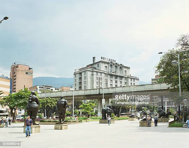 fernando botero statues in plaza botero - medellin colombia stock pictures, royalty-free photos & images