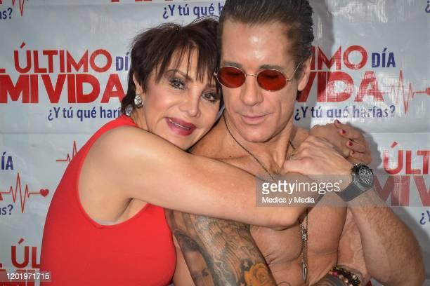 Fernando Carrillo and Maribel Fernandez 'La Pelangocha' pose for photos during a photocall for the play 'El Ultimo Dia de Mi Vida' at Tepeyac on...