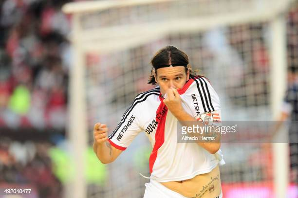 Fernando Cavenaghi celebrates after scoring the opening goal during a match between River Plate and Quilmes as part of 19th round of Torneo Final...