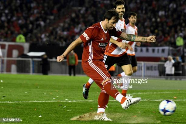 Fernando Cavenaghi kicks the ball during Fernando Cavenaghi's farewell match at Monumental Stadium on July 01 2017 in Buenos Aires Argentina