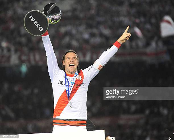 Fernando Cavenaghi lifts the trophy at the end of Torneo Final 2014 as part of 19th round of Torneo Final 2014 at Monumental Antonio Vespucio Liberti...