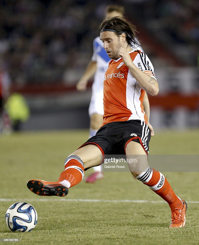 Fernando Cavenaghi of River Plate controls the ball during a match between River Plate and Velez Sarsfield as part of 15th round of Torneo Final 2014 at Monumental Antonio Vespucio Liberti Stadium on April 12, 2014 in Buenos Aires, Argentina.
