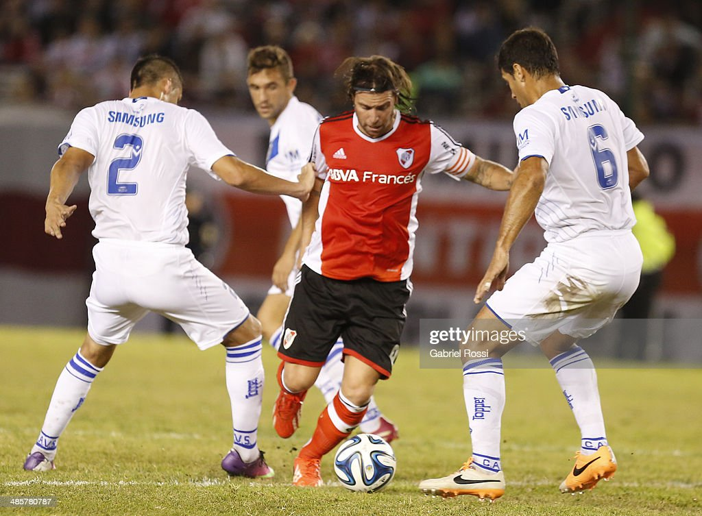 Fernando Cavenaghi of River Plate in action during a match between River Plate and Velez Sarsfield as part of 15th round of Torneo Final 2014 at Monumental Antonio Vespucio Liberti Stadium on April 12, 2014 in Buenos Aires, Argentina.