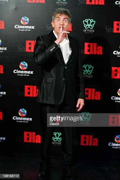 Fernando Ciangherotti poses at the red carpet of Sin Ella movie premiere at Plaza Antara on October 26 2010 in Mexico City Mexico