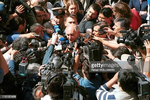 Fernando De La Rua wins presidential elections in Argentina on October 24 1999 Fernando De La Rua at improvised press conference