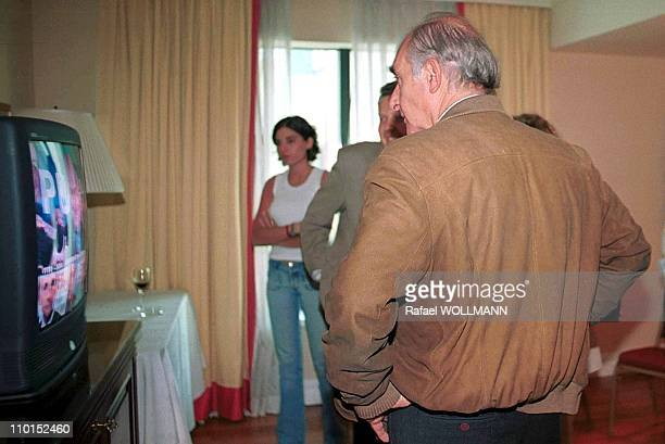 Fernando De La Rua wins presidential elections in Argentina on October 24 1999