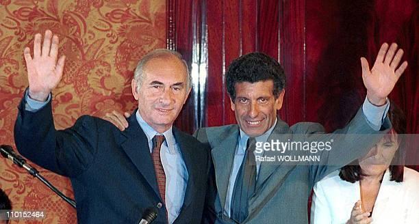 Fernando De La Rua wins presidential elections in Argentina on October 24 1999 Fernando De La Rua and Carlos Chacho Alvarez