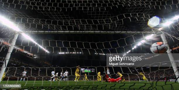 Fernando Fernandez of Guarani PAR scores his team's first goal during a match between Corinthians and Guarani PAR as part of Copa CONMEBOL...