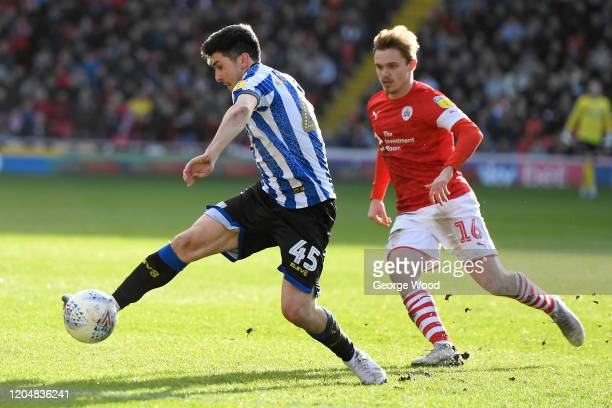 Fernando Forestieri of Sheffield Wednesday controls the ball during the Sky Bet Championship match between Barnsley and Sheffield Wednesday at...