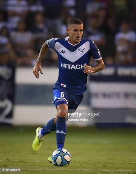 Fernando Gago of Velez Sarsfield drives the ball during a match between Gimnasia y Esgrima La Plata and Velez as part of Superliga 2019/20 at Juan...