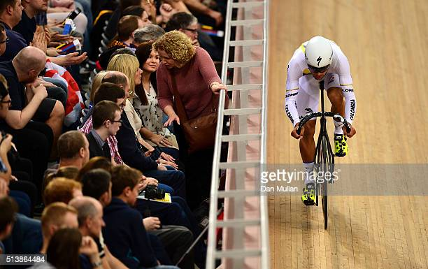Fernando Gaviria Rendon of Columbia competes in the Men's Omnium Flying Lap during Day Four of the UCI Track Cycling World Championships at Lee...