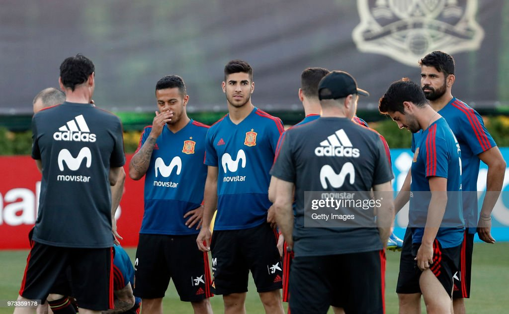 Fernando Hierro, Head coach of Spain speaks to the players during the Spain Training Session ahead of the FIFA World Cup Russia 2018 on June 13, 2018 in Krasnodar, Russia.