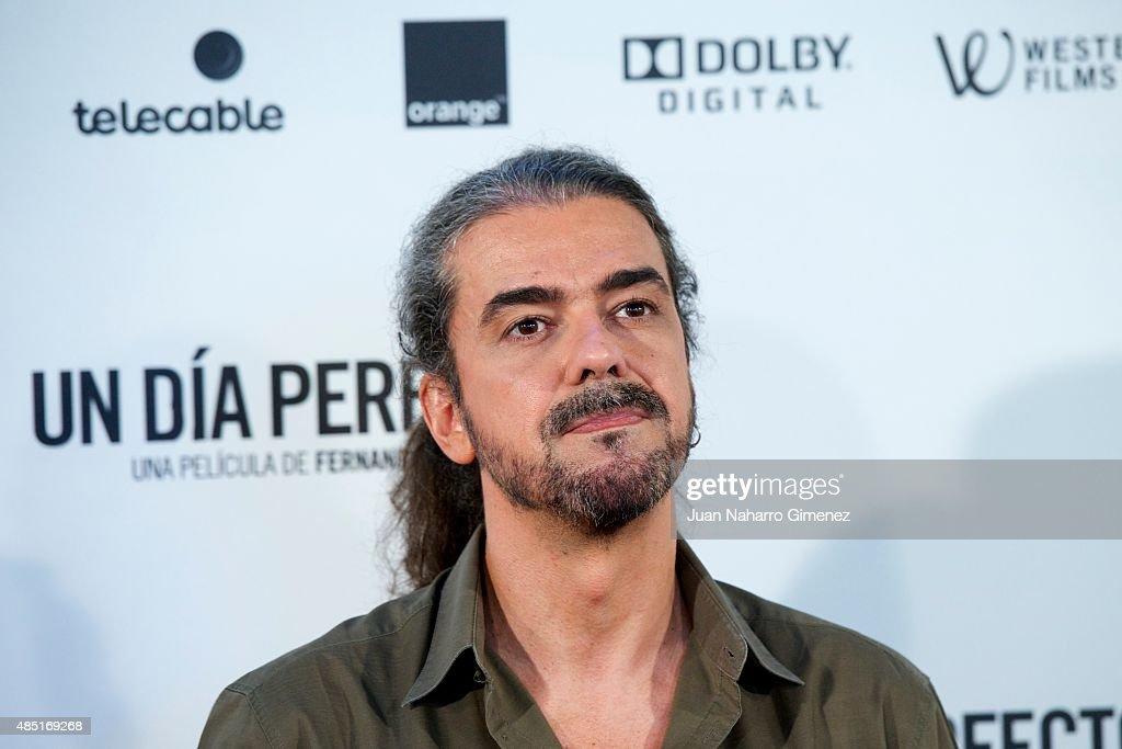 Fernando Leon de Aranoa attends 'Un Dia Perfecto' photocall at Villamagna Hotel on August 25, 2015 in Madrid, Spain.