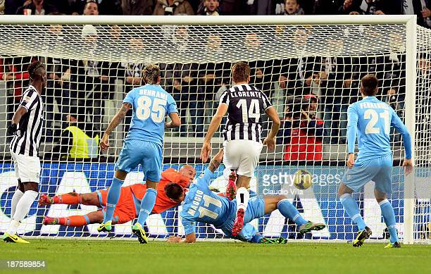 Fernando Llorente of Juventus scores the first goal during the Serie A match between Juventus and SSC Napoli at Juventus Arena on November 10 2013 in...