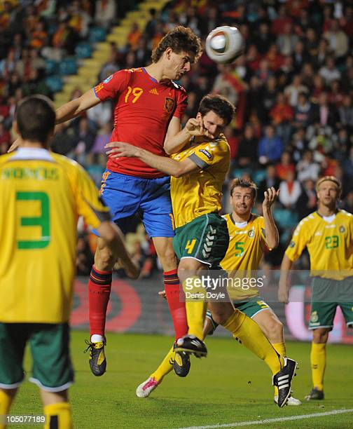 Fernando Llorente of Spain scores his team's first goal during the EURO 2012 Qualifying Group I match between Spain and Lithuania at the Helmantico...