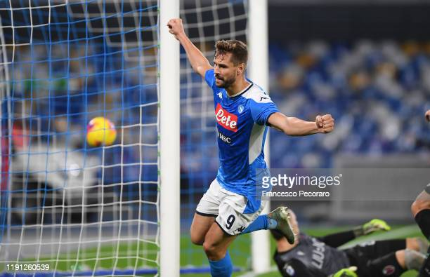 Fernando Llorente of SSC Napoli celebrates after scoring the 10 goal during the Serie A match between SSC Napoli and Bologna FC at Stadio San Paolo...