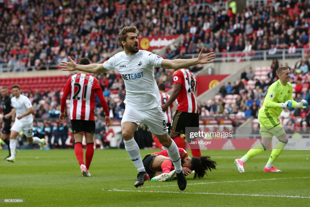 Fernando Llorente of Swansea City celebrates scoring his sides first goal during the Premier League match between Sunderland and Swansea City at Stadium of Light on May 13, 2017 in Sunderland, England.