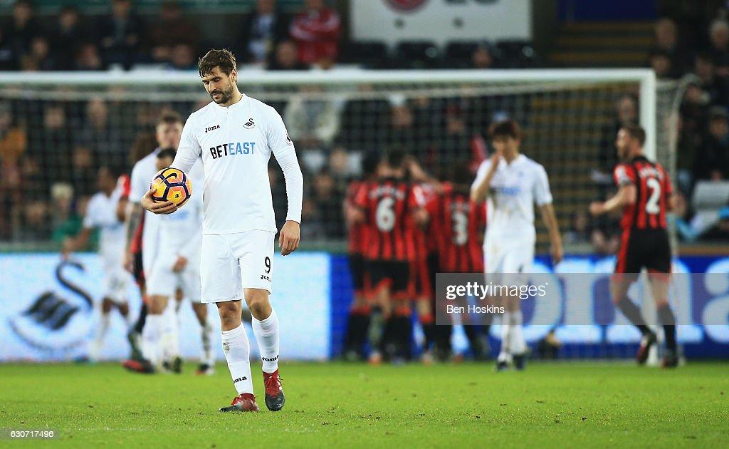 Swansea City v AFC Bournemouth - Premier League : Fotografía de noticias