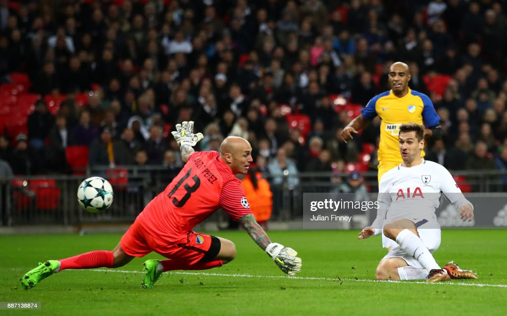 Fernando Llorente of Tottenham Hotspur scores his sides first goal past Nauzet Perez of Apoel FC during the UEFA Champions League group H match between Tottenham Hotspur and APOEL Nicosia at Wembley Stadium on December 6, 2017 in London, United Kingdom.