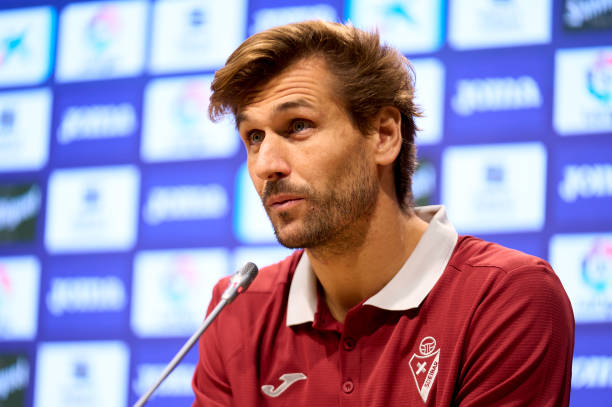 ESP: SD Eibar Unveil New Player Fernando Llorente