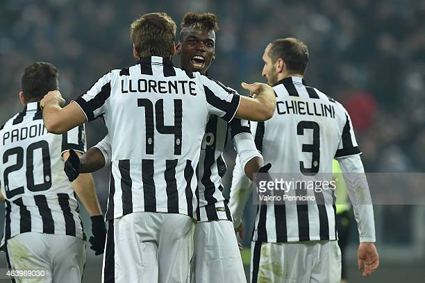 Fernando Lorente of Juventus FC celebrates his goal with team mates Paul Pogba during the Serie A match between Juventus FC and Atalanta BC at...