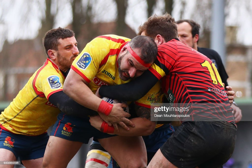 Fernando M Lopez Perez of Spain cant be stopeed by the defence of Belgium to score a try during the Rugby World Cup 2019 Europe Qualifier match between Belgium and Spain held at Little Heysel next to King Baudouin Stadium on March 18, 2018 in Brussels, Belgium.