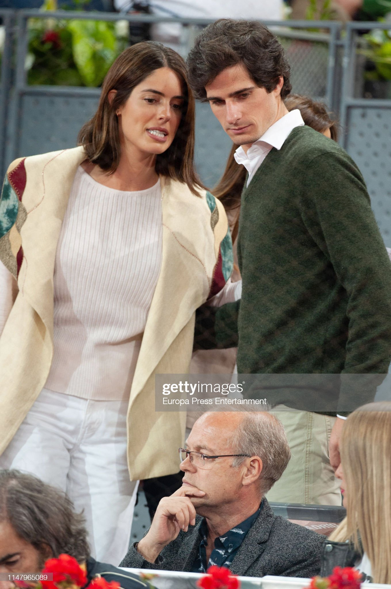 https://media.gettyimages.com/photos/fernando-martinez-de-irujo-and-sofia-palazuelo-attend-mutua-madrid-picture-id1147965089?s=2048x2048