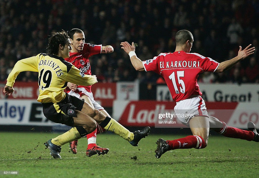 Fernando Morientes of Liverpool scores a goal during the Barclays Premiership match between Charlton Athletic and Liverpool at The Valley on February 1, 2005 in London, England.