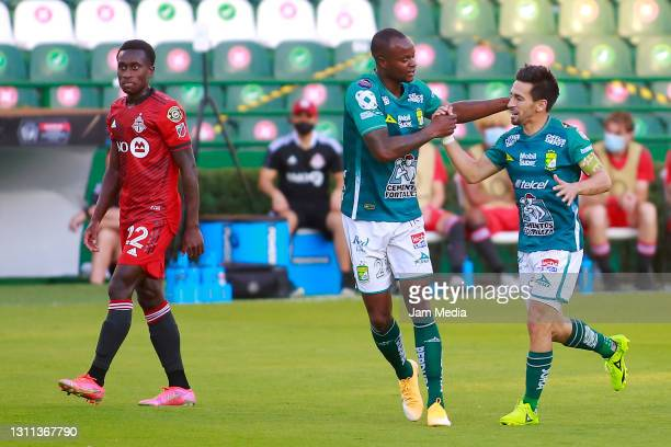 Fernando Navarro of Leon celebrates with Jaine Barreiro after scoring the first goal of his team during a first leg match of round of sixteen between...