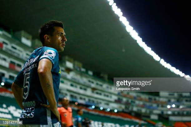 Fernando Navarro of Leon looks on during the 8th round match between Leon and Cruz Azul as part of the Torneo Guard1anes 2021 Liga MX at Leon Stadium...