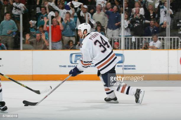 Fernando Pisani of the Edmonton Oilers skates with the puck during Game 2 of the Western Conference Semifinals against the San Jose Sharks on May 8,...