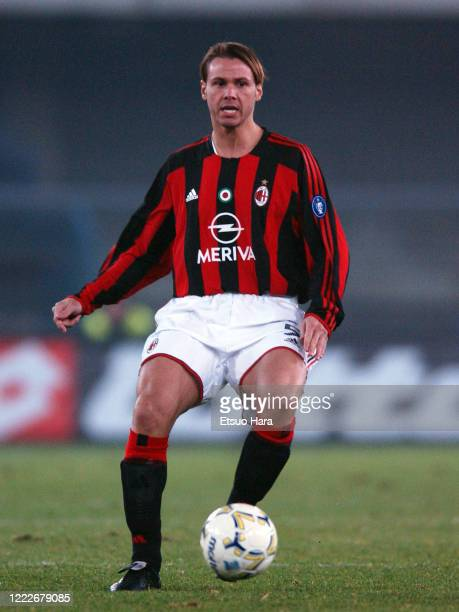 Fernando Redondo of AC Milan in action during the Serie A match between Chievo Verona and AC Milan at the Stadio Marc'Antonio Bentegodi Stadio Renato...