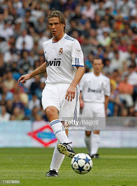 Fernando Redondo of Real Madrid in action during the Corazon Classic Match between Allstars Real Madrid and Allstars Bayern Muenchen at Estadio...