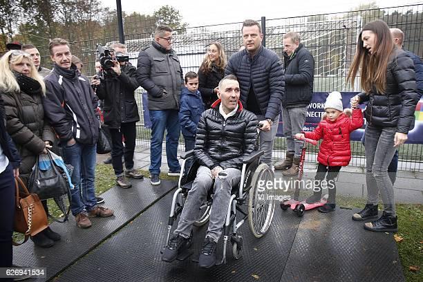 Fernando Ricksen Isabelle Ricksen Veronika Ricksen during a photoshoot at sportpark Langeberg on November 13 2016 in Brunssum The Netherlands