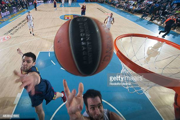 Fernando San Emeterio #19 of Laboral Kutxa Vitoria in action during the 20132014 Turkish Airlines Euroleague Top 16 Date 14 game between FC Barcelona...