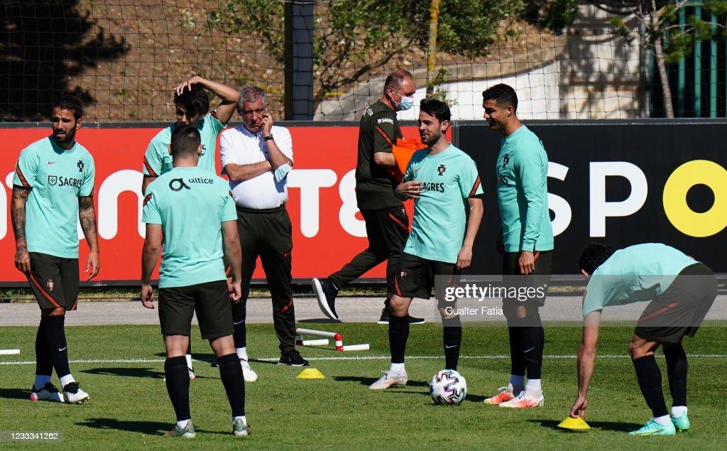 Portugal Training Session : News Photo
