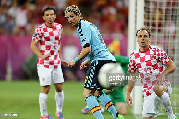 Fernando Torres gehen Gordon Schildenfeld Croatia Kroatien Vorrunde Gruppe C Spiel 20 Kroatien - Spanien Croatia - Spain Fussball EM UEFA Euro...