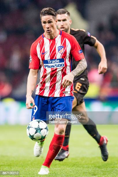 Fernando Torres of Atletico de Madrid runs with the ball during the UEFA Champions League 201718 match between Atletico de Madrid and AS Roma at...