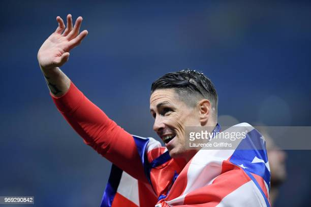Fernando Torres of Atletico Madrid waves to the fans following the UEFA Europa League Final between Olympique de Marseille and Club Atletico de...