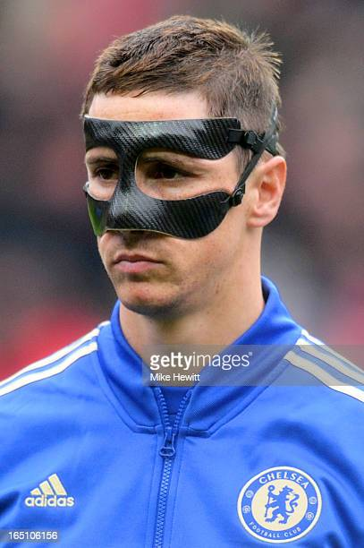 Fernando Torres of Chelsea looks on prior to kickoff during the Barclays Premier League match between Southampton and Chelsea at St Mary's Stadium on...