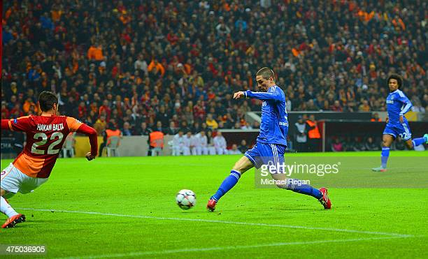 Fernando Torres of Chelsea scores the opening goal during the UEFA Champions League Round of 16 first leg match between Galatasaray AS and Chelsea at...