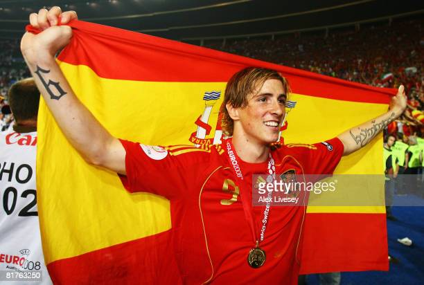 Fernando Torres of Spain holds the national flag after the UEFA EURO 2008 Final match between Germany and Spain at Ernst Happel Stadion on June 29...